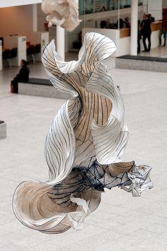 Tot in de Vezel: Peter Gentenaar Fashion Installation, Artistic Installation, Light Installation, Water Art, Paper Artwork, Dutch Artists, Conceptual Art, Oeuvre D'art, Textile Art