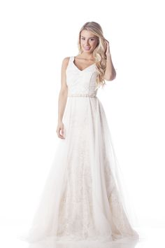 Lisa is a latteA-lineof guipure lace with soft tulle overlay.