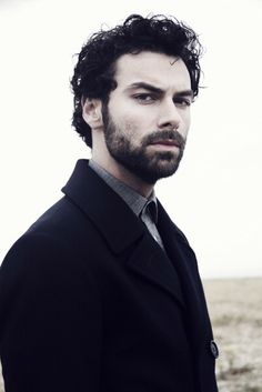 """Welcome to """"Aidan Turner-Daily"""". Your source for the Irish actor Aidan Turner. We provide his latest photographs, news and interviews. Aidan Turner Kili, Aidan Turner Poldark, Aiden Turner, Ross Poldark, Adrian Turner, Being Human Uk, Johny Depp, Charming Man, City Of Bones"""
