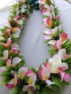 The lei is approximately 36 inches long, open ends. You can adjust the length by tying the ribbon. Plumeria Ribbon Lei, Diy Ribbon Flowers, Ribbon Garland, Plumeria Flowers, Hawaiian Flowers, Lilies Flowers, Hawaiian Luau, Ribbon Work, Flowers Garden