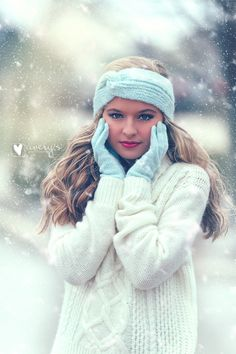 Senior picture, Winter Photoshoot, Senior Girl Portrait