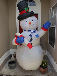 Blond slender Gemmy snowman chubby inflatable looks