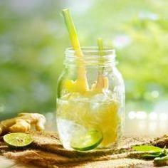 Switchel ist DAS Getränk für jede Jahreszeit: Im Sommer trinken wir ihn eisgekühlt, im Winter heiß und stärken unsere Abwehrkräfte. Dass Ingwer und Apfelessig eine gute Kombi sind, beweist das Rezept!