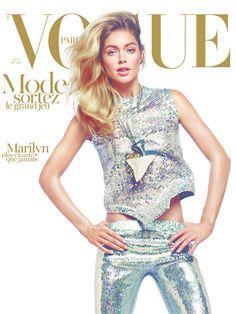 [Doutzen Kroes fotografiada por David Sims para el número de abril de 2012 de Vogue Paris]