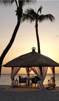 Platz 8 im Ranking der besten Karibik-Hotels: Bucuti & Tara Beach Resorts, Oranjestad, Aruba. Hier geht's zur Top 11: http://www.travelbook.de/welt/Zum-Wegtraeumen-Die-besten-Ferienresorts-in-der-Karibik-566838.html