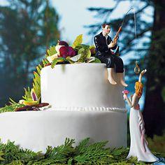 Figura de pastel donde el novio disfruta de un momento de relax y pesca