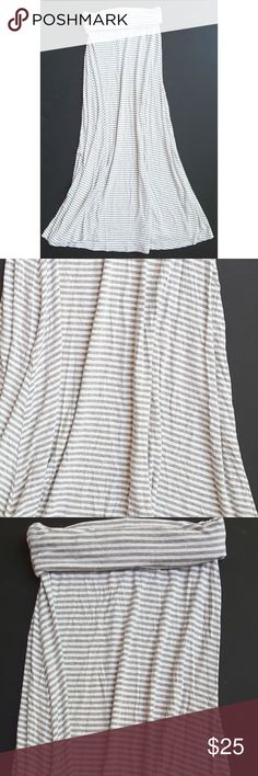 """Gap women's yoga waist gray striped maxi skirt Gap women's yoga waist gray & white striped maxi skirt   Size xs   Length: 39""""  Waist: 12"""" unstretched   Condition: vguc   My items come from a smoke-free household, we do have a kitty, so an occasional hair may occur!  Washed in Cold and Hung Dry GAP Skirts Maxi"""