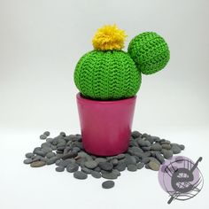 This is a free cactus pattern   for people who loves plants   but they do not know how to care.         Materials:   - DMC Natura N48 (gre...