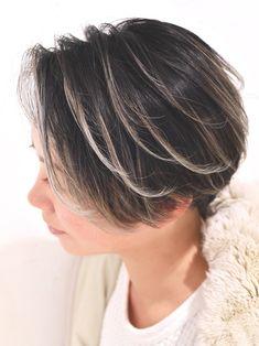 外国人風カラー ローライト グレージュ ガーリー BEBE 表参道 TAKEMI 470776【HAIR】 Bob Hair Color, Hair Color Highlights, Medium Bob Cuts, Diy Hair Care, Very Short Hair, Diy Hairstyles, Short Hair Styles, Hair Makeup, Stylists