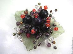 """Купить брошь с """"Смородина"""" с натуральными камнями - комбинированный, брошь ручной работы, ягоды и листья"""