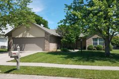 9698 Amber Glow Ct, Fishers, IN 46037