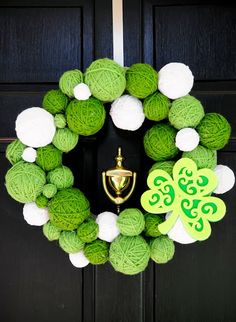 Such a cute wreath for St. Patrick's day. See photo tutorial and supply list