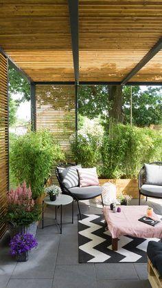 Terrasse Lounge selberbauen Covered Patio Designs - What Options Do You Have? Garden Design, Backyard Design, Small Backyard, Terrace Design, Backyard Decor, Patio Design, Porch Decorating, Pergola Designs