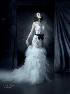 Swan - CHACHINO Model - Ilana Davies @HAUS Models  MUA - Jacqui Scott Hair - 121 Hair