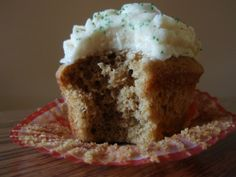 irish coffee cupcakes- perfect for st. pats or halfway to st. pats!