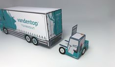 Paper model DAF CF with Moffett truck mounted forklift Paper Models, Paper Crafts, Trucks, Truck, Tissue Paper Crafts, Paper Craft Work, Papercraft, Card Templates, Paper Art And Craft