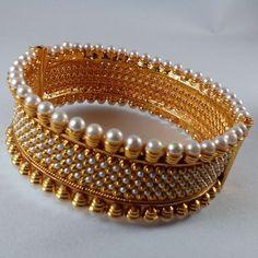 Designer Gold Tone Pearl Kangan Set With Screw