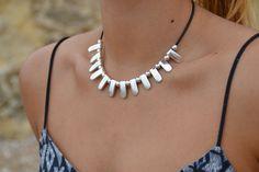 Mira este artículo en mi tienda de Etsy: https://www.etsy.com/es/listing/449703090/collar-mujer-cuero-collar-boho-collar