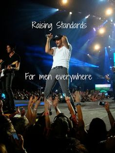 Luke Bryan - Raising Standards for men everywhere! a good country man Country Artists, Country Singers, Country Men, Country Girls, Country Charm, Luke Luke, Bae, Shake It For Me, Country Music Stars