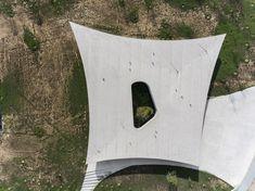 Galeria de Concreto aparente e volumetria inusitada na Casa Cabo da Vila, projeto dos spaceworkers vencedor do BOTY 2017 - 1
