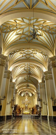 Panorama of the Cathedral of Lima (Central Nave), Peru | Flickr - Photo Sharing!༻神*TZn*神༺