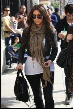 Kim kardashian outfit and shades. ❤