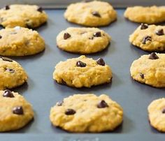 These soft chocolate chip cookies are made with coconut flour and coconut oil, which makes this recipe gluten free, dairy free, paleo friendly and clean eating. There are those that eat healthy and basically. Coconut Flour Cookies, Coconut Flour Recipes, Paleo Cookies, Gluten Free Cookies, Gluten Free Baking, Baking Recipes, Coconut Oil, Free Recipes, Fodmap Recipes