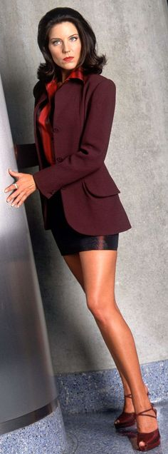 Andrea Parker. From my favorite tv show The Pretender. The 90s is coming back in style. I knew it! Yay!