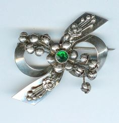 GORGEOUS Vintage HOBE Sterling Silver Emerald Green Rhinestone Beauty--Brooch Nice Xmas Pin