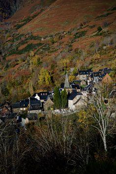 Tardor a la Vall d'Aran,Lleida  Catalonia by Hipòlit Moreno .#lleida #catalonia #catalunya  #catalonia /lleida #catalonia/catalunya