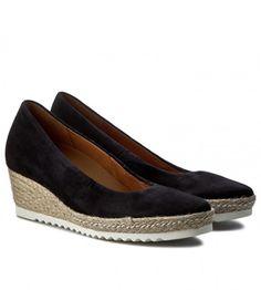 Espadrile cu talpa ortopedica din piele intoarsa negre Espadrilles, Shoes, Fashion, Espadrilles Outfit, Moda, Zapatos, Shoes Outlet, Fashion Styles, Shoe