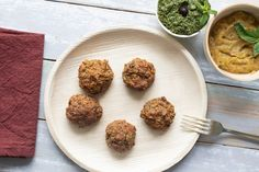 Vegán fasírtgolyók - Recept | Femina Curry, Vegan, Quick Meals, Pesto, Hamburger, Muffin, Food And Drink, Breakfast, Health