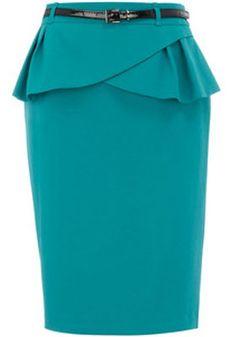 Идеально смотрится на А-образной фигуре прямая юбка с баской.