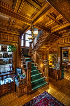 26 Stunning Victorian Stairs Design Ideas With Gothic Style Victorian Stairs, Victorian House Interiors, Victorian Homes, Victorian Architecture, Amazing Architecture, Interior Architecture, Interior And Exterior, Classic Home Decor, Classic House