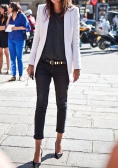 simple skinny jeans with blazer and classic pumps. I like this look, but for me, I'd chose a different color of blazer.
