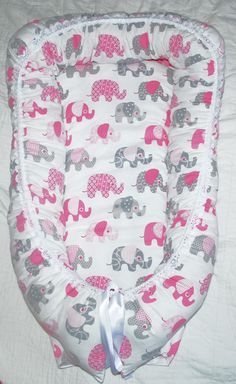 Babynest+with+wool+filling+elephants