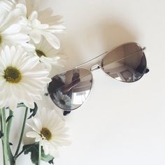 Aviator sunglasses New! Mirrored metal aviator sunglasses. Classic aviators with a polished metal frame. 100% UV protection. NWOT Urban Outfitters Accessories Sunglasses