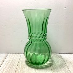 Ribbed Green Harding Vase by Anchor Hocking Modern Art Deco | Etsy Modern Art Deco, Mid-century Modern, Anchor Hocking, Go Green, Glass Vase, Mid Century, Display, Cool Stuff, September