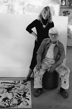 Willem de Kooning with Lisa de Kooning, in his studio, East Hampton, Long Island, 1978 Photographer: Arnold Newman © Arnold Newman Properties/Getty Images