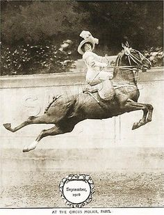 Over 363 people liked this! Cirque Molier, It fascinates me that a woman riding side saddle could stay on her horse while doing this! Vintage Pictures, Old Pictures, Vintage Images, Old Photos, Badass Pictures, Side Saddle, Photo Vintage, Vintage Circus, Zebras