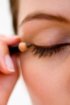 How to Make Your Eyeliner Stay All Day Long | Eyes, Running and ...