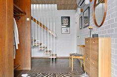 Lindekullegatan 16 Björkekärr, Göteborg  1967 Habitats, Beautiful Homes, Mid-century Modern, Entrance, New Homes, Stairs, Mid Century, Bedroom, Interior