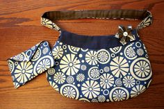 Petite Purse + Wallet and Flower Mini Tutorial | Craft Buds - redirects to another site for the purse but the wallet and flower are here.