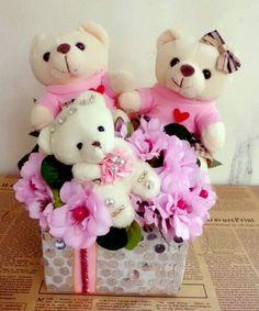Gia đình gấu hồng