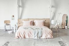 """Bettwäscheset in """"Dusty Rose"""" von Yumeko Rose Duvet Cover, Duvet Covers, How To Make Bed, Sustainable Living, Dusty Rose, Linen Bedding, Comforters, Pale Pink, Pillow Cases"""