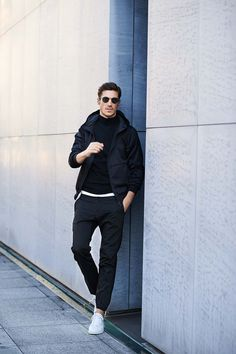Nice style by B.R Online Black Outfit Men, Urban Fashion, Mens Fashion, Bomber Jacket Outfit, Smart Casual Men, Men Street, Outfits Hombre, Layered Fashion, Poses For Men