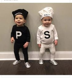 Doubles Halloween Costume Ideas for Babies and Toddlers halloween nails, basic halloween costume, galaxy halloween costume Halloween Costume Ideas for Babies and Toddlers Halloween Costume Couple, Halloween Costumes Kids Boys, Group Halloween, Halloween Couples, Halloween Costumes For Babies, Halloween Bingo, Halloween Movies, Halloween Halloween, Vintage Halloween