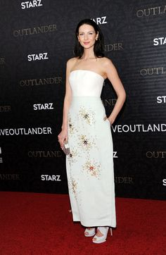 Pin for Later: Outlander's Sam Heughan and Caitriona Balfe Smolder the Hell Out of the Red Carpet
