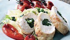 Kyllingeruller med spinat og mozzarella Mozzarella, Sushi, Meat, Ethnic Recipes, Desserts, Food, Tailgate Desserts, Deserts, Essen