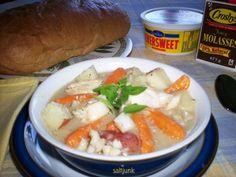 Cod-Fish-Stew-w Cod Recipes, Fish Recipes, Paleo Recipes, Cooking Recipes, Canadian Dishes, Canadian Food, Scalloped Potatoes Au Gratin, Newfoundland Recipes